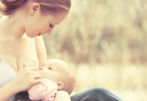 amamentacao um lado so, amamentação, leite materno, aleitamento materno, pediatria descomplicada, dra kelly oliveira, pediatra sao paulo