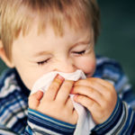 Não pega esse vento gelado menino! – o tempo frio causa gripe?