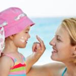 12 Dicas na escolha do protetor solar para crianças